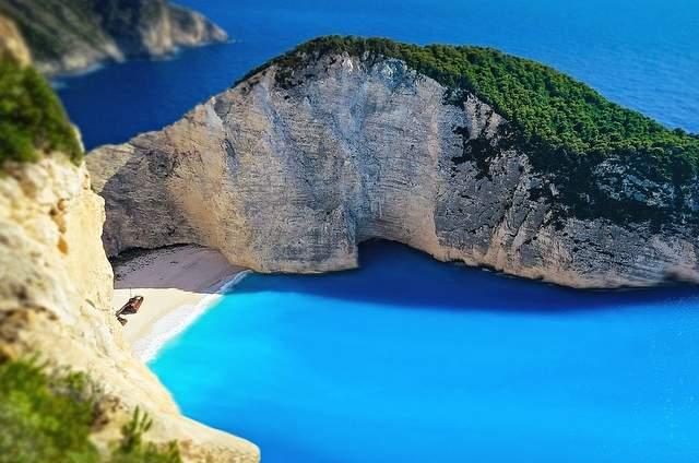 Navagio: la spiaggia dello Strano caso tra Uomo e Natura
