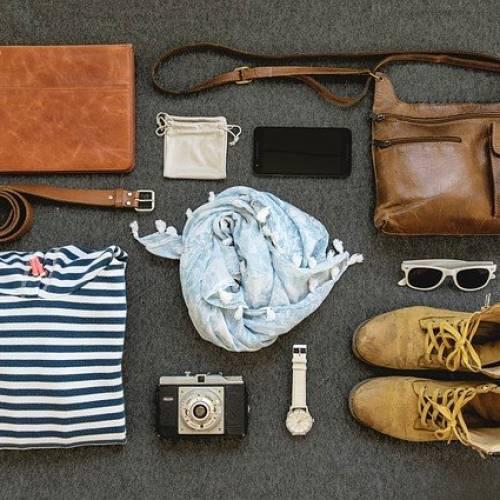 Accessori da viaggio: cosa mettere in valigia