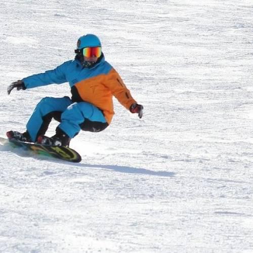 Snowboard principianti: come scegliere la tavola e l'abbigliamento
