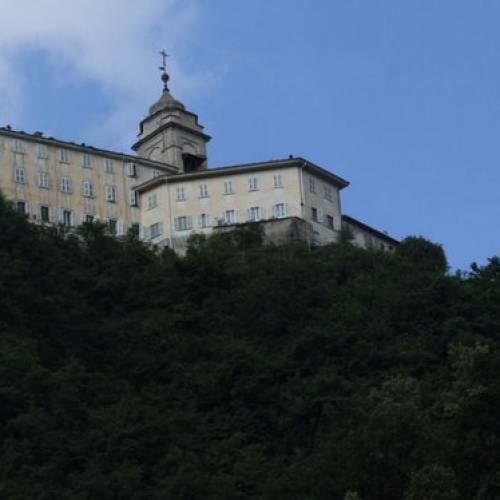 Quali sono i sacri monti in Italia e sopratutto perché sono definiti sacri?